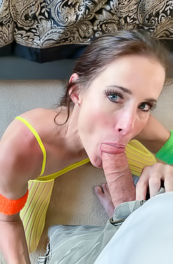 Sofie Marie Practicing In Blowjob